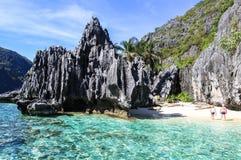 Βάρκες στην παραλία της EL Nido, Φιλιππίνες στοκ εικόνα