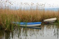 Βάρκες στη λίμνη της Οχρίδας Στοκ Εικόνες