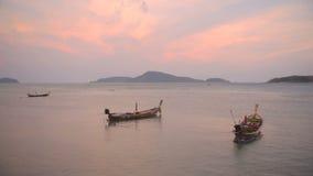 Βάρκες στη λίμνη απόθεμα βίντεο