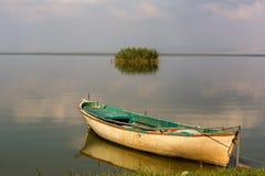 Βάρκες στη λίμνη Manyas Στοκ φωτογραφία με δικαίωμα ελεύθερης χρήσης