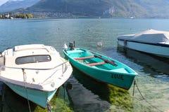 Βάρκες στη λίμνη Annecy στη Γαλλία Στοκ Φωτογραφία