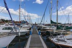 Βάρκες στη δύση αποβαθρών Στοκ φωτογραφία με δικαίωμα ελεύθερης χρήσης