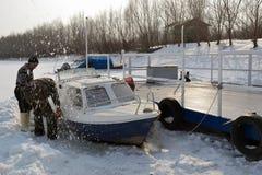 Βάρκες στον πάγο στον ποταμό Borcea 7 στοκ φωτογραφία με δικαίωμα ελεύθερης χρήσης