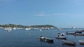 Βάρκες στο γαλλικό Riviera απόθεμα βίντεο