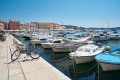 Βάρκες στο λιμένα Rovinj στοκ φωτογραφία με δικαίωμα ελεύθερης χρήσης