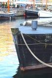 Βάρκες στο νερό στο κανάλι Nyhavn Στοκ φωτογραφία με δικαίωμα ελεύθερης χρήσης