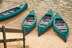 Βάρκες τουριστών στη λίμνη Στοκ Φωτογραφία