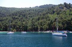 Βάρκες το καλοκαίρι στοκ φωτογραφίες με δικαίωμα ελεύθερης χρήσης