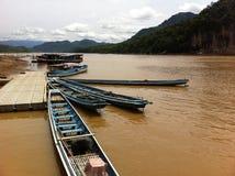 Βάρκες mekong στον ποταμό του Λάος Στοκ Φωτογραφίες