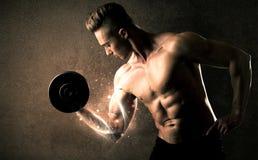 Βάρος ανύψωσης Bodybuilder με την ενεργητική άσπρη έννοια γραμμών στοκ εικόνες με δικαίωμα ελεύθερης χρήσης