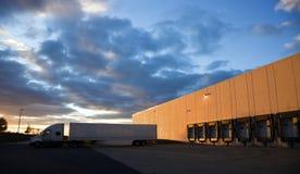 βάση που αφήνει το ημι truck Στοκ φωτογραφίες με δικαίωμα ελεύθερης χρήσης