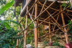 Βάση του μπανγκαλόου μπαμπού στοκ εικόνες
