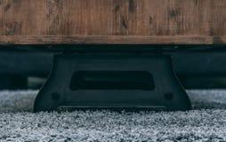 Βάση τραπεζάκι σαλονιού στην κουβέρτα βελούδου Στοκ Εικόνες