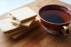 Βάφλες με το τσάι! Στοκ εικόνες με δικαίωμα ελεύθερης χρήσης