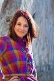 βέβαια χαμογελώντας γυναίκα Στοκ εικόνα με δικαίωμα ελεύθερης χρήσης