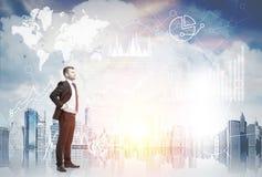Βέβαιοι επιχειρηματίας και μεσίτης αποθεμάτων, πλευρά Στοκ Εικόνες