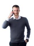 Βέβαιος σπουδαστής που μιλά στο smartphone Στοκ φωτογραφία με δικαίωμα ελεύθερης χρήσης