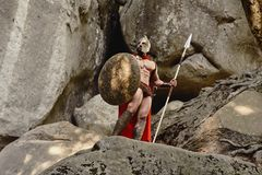 Βέβαιος gladiator στους βράχους Στοκ Εικόνες