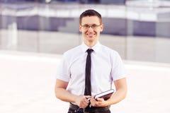 Βέβαιο πορτρέτο επιχειρηματιών Στοκ φωτογραφία με δικαίωμα ελεύθερης χρήσης