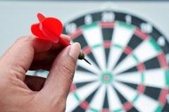 Βέλη και dartboard παιχνίδι βελών Στοκ Φωτογραφία