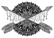 Βέλος που διασχίζει το φυλακτό σε ηθικό και το mandala στη δερματοστιξία ύφους Μαύρο χρώμα γραφικό στο άσπρο υπόβαθρο στοκ εικόνα