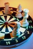 βέλος σκακιού χαρτονιών Στοκ Εικόνες