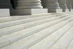 βήματα δικαστηρίων ανώτατα  Στοκ Εικόνες