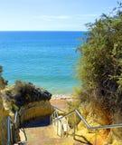 Βήματα - κάτω Armacao de Pera Beach Στοκ Εικόνες