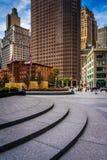 Βήματα και ουρανοξύστες στο μνημείο παλαιμάχων της Νέας Υόρκης Βιετνάμ Στοκ φωτογραφίες με δικαίωμα ελεύθερης χρήσης