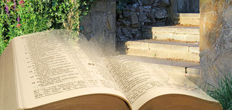 Βήματα παραβολών Βίβλων στον ουρανό Στοκ Φωτογραφίες