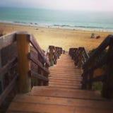 Βήματα στην παραλία Στοκ φωτογραφίες με δικαίωμα ελεύθερης χρήσης