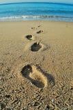 Βήματα στη θάλασσα Στοκ φωτογραφία με δικαίωμα ελεύθερης χρήσης