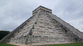 Βήμα-πυραμίδα & ναός της Maya σε Chichen Itza Στοκ φωτογραφία με δικαίωμα ελεύθερης χρήσης