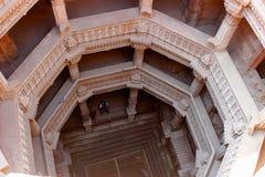 Βήμα Adalaj καλά, Ahmedabad, Gujarat, Ινδία Στοκ φωτογραφία με δικαίωμα ελεύθερης χρήσης