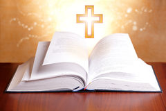 Βίβλος ιερή Στοκ φωτογραφίες με δικαίωμα ελεύθερης χρήσης
