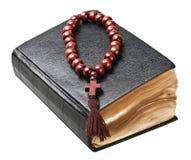 Βίβλος και rosary στοκ εικόνες