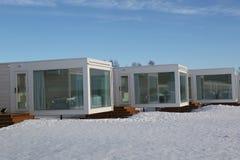 Βίλα γυαλιού παραλιών στην περιοχή SnowCastle από τον κόλπο Bothnian στη Kemi, Φινλανδία στοκ εικόνα