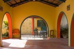 βίλα patio Lourdes περιφράξεων στοκ εικόνα με δικαίωμα ελεύθερης χρήσης