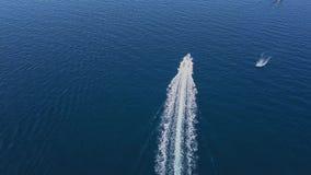 Βίντεο κηφήνων - που πετά πέρα από τη μαρίνα Λα Maddalena - Σαρδηνία φιλμ μικρού μήκους