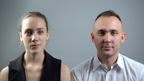 Βίντεο του ζεύγους κατά τη διάρκεια της αδέξιας σιωπής απόθεμα βίντεο