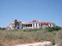 Βίλα στην ακτή του Κασκάις σε ένα ηλιόλουστο απόγευμα (Πορτογαλία) Στοκ φωτογραφία με δικαίωμα ελεύθερης χρήσης