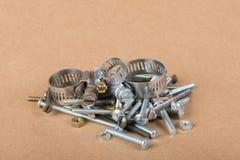 Βίδες & σφιγκτήρες μπουλονιών καρυδιών Στοκ Εικόνες