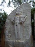 Βαγκαλόρη, Karnataka, Ινδία - 5 Ιουλίου 2009 η γκρίζα πέτρα χρώματος χάρασε το άγαλμα του Λόρδου Brahma στο ναό Ragigudda Anjaney Στοκ εικόνες με δικαίωμα ελεύθερης χρήσης