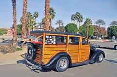 Βαγόνι εμπορευμάτων σταθμών της Ford ` Woodie ` Στοκ φωτογραφία με δικαίωμα ελεύθερης χρήσης