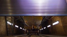 Βαγόνι εμπορευμάτων φορτίου για το πετρέλαιο στο υπόστεγο επίδειξη ενός βαγονιού εμπορευμάτων φορτίου, boxcar για τα υγρά στο κιβ στοκ φωτογραφίες με δικαίωμα ελεύθερης χρήσης