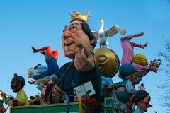 Βαγόνι εμπορευμάτων Rossini Giocchino σε Fano καρναβάλι Κάθε χρόνο η γιορτή προσελκύει περισσότερο από τους επισκέπτες για να παρ Στοκ Εικόνα