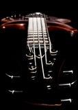 Βαθιά άποψη σταθερών μερών τόρνου κιθάρων (συγκρατημένο, ρηχό βάθος του τομέα) Στοκ εικόνες με δικαίωμα ελεύθερης χρήσης