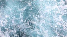 Βαθιά μπλε θυελλώδες θαλάσσιο νερό απόθεμα βίντεο