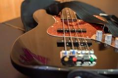 βαθιά στενή κιθάρα επάνω Στοκ Φωτογραφία