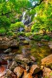 βαθύς δασικός ταϊλανδικός καταρράκτης πάρκων βουνών εθνικός Στο βαθύ δάσος Στοκ εικόνα με δικαίωμα ελεύθερης χρήσης